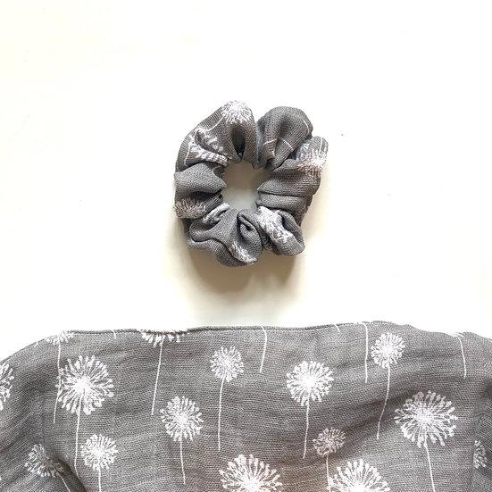 Dandelion Scrunchie