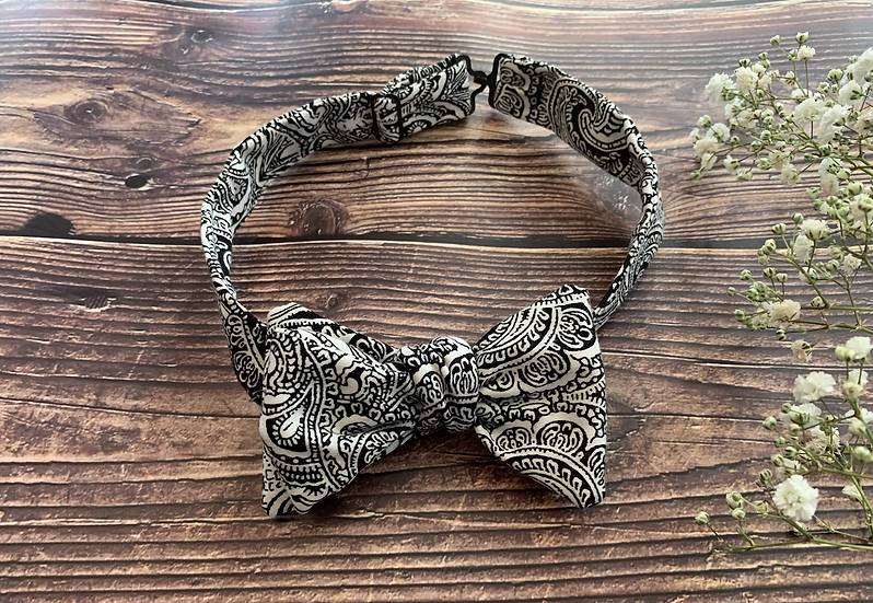 The Forget-Me-Not Bow Tie