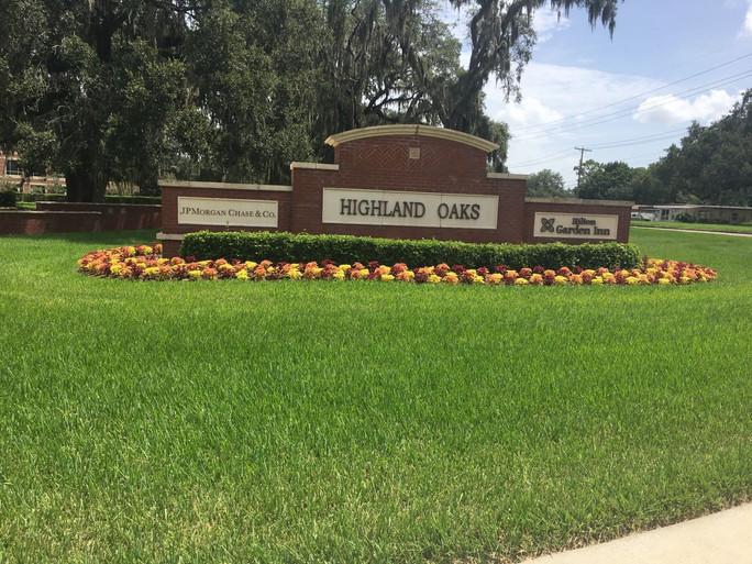 Highland Oaks.jpg