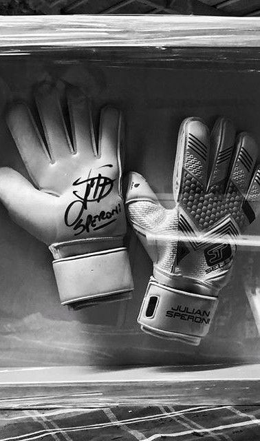 white combo, signed by Speroni. #objectf