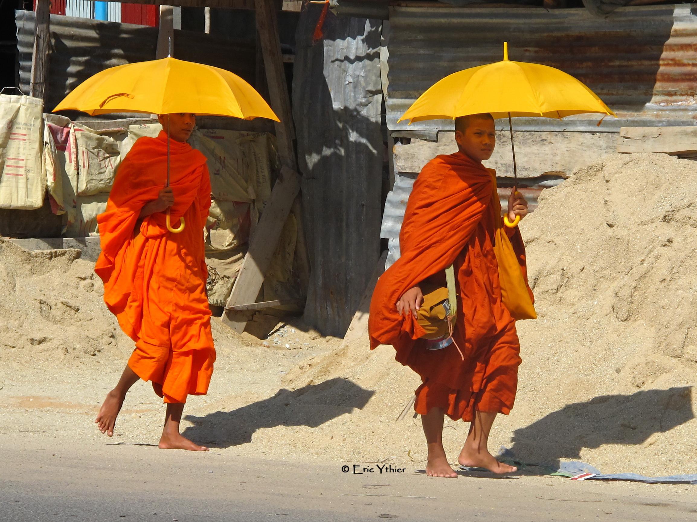 Moines de Sihanoukville