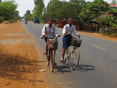 sourires des rizières, Eric Ythier, Cambodge-humanitaire-aide-enfants-éducation-agriculture-don-ONG