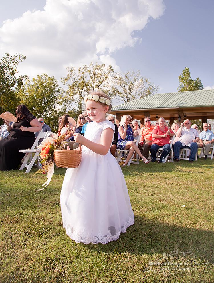 Flower girl | wedding photography