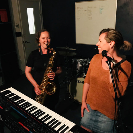 Hanna & AJ Brooks jamming at MAINZ in Auckland