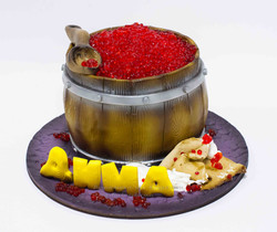 Торт бочонок с икрой