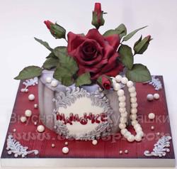 Торт маме с сахарной розой