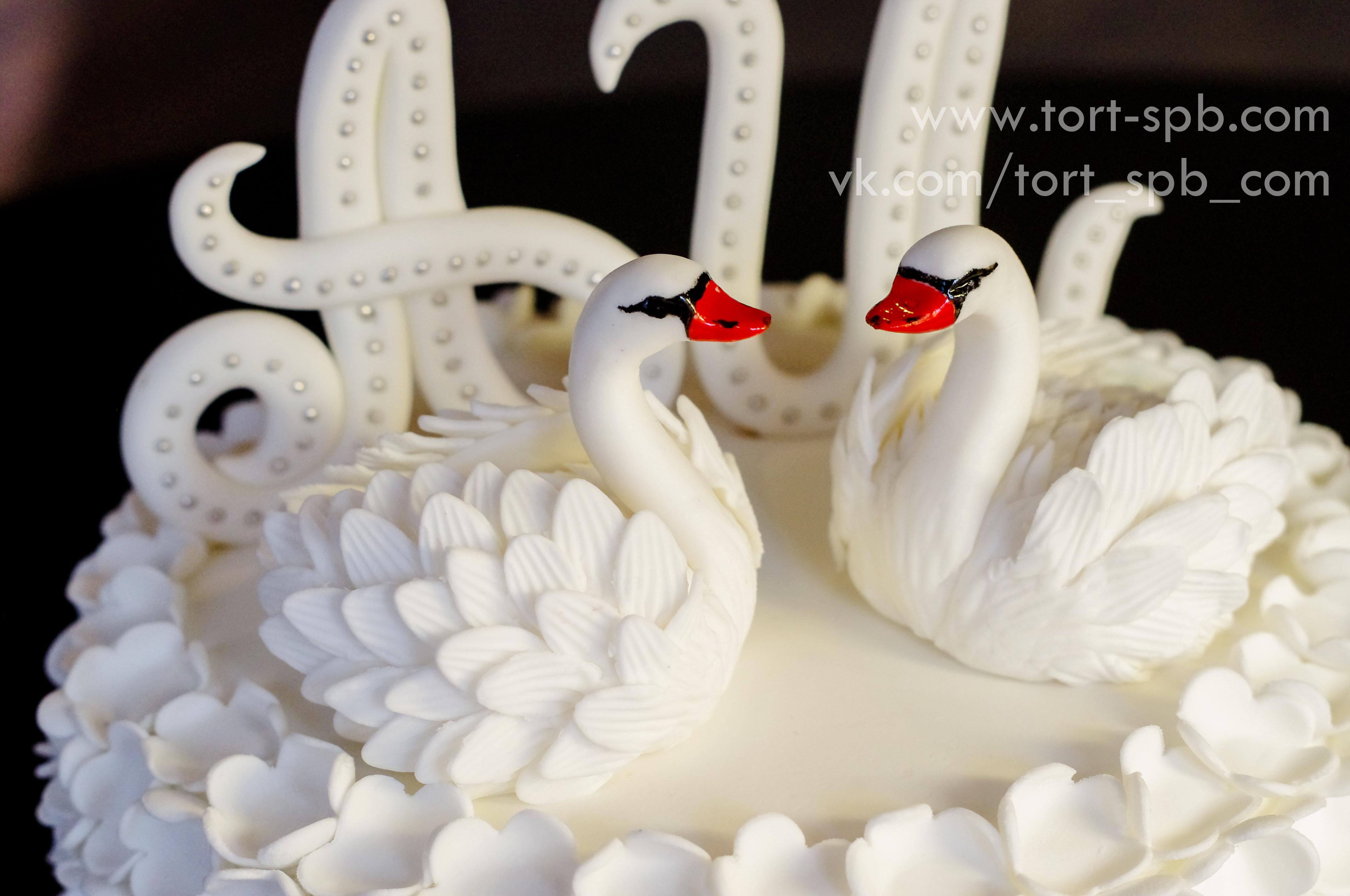 """Свадебныый торт """"Лебеди"""""""
