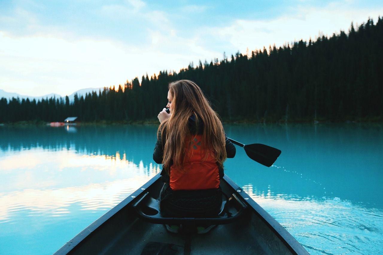 canoeing-1081890_1280-compressor_edited.