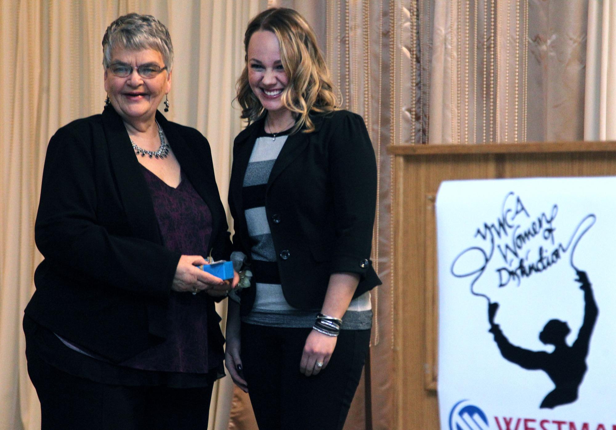 170303+YWCA+awards+winner+b