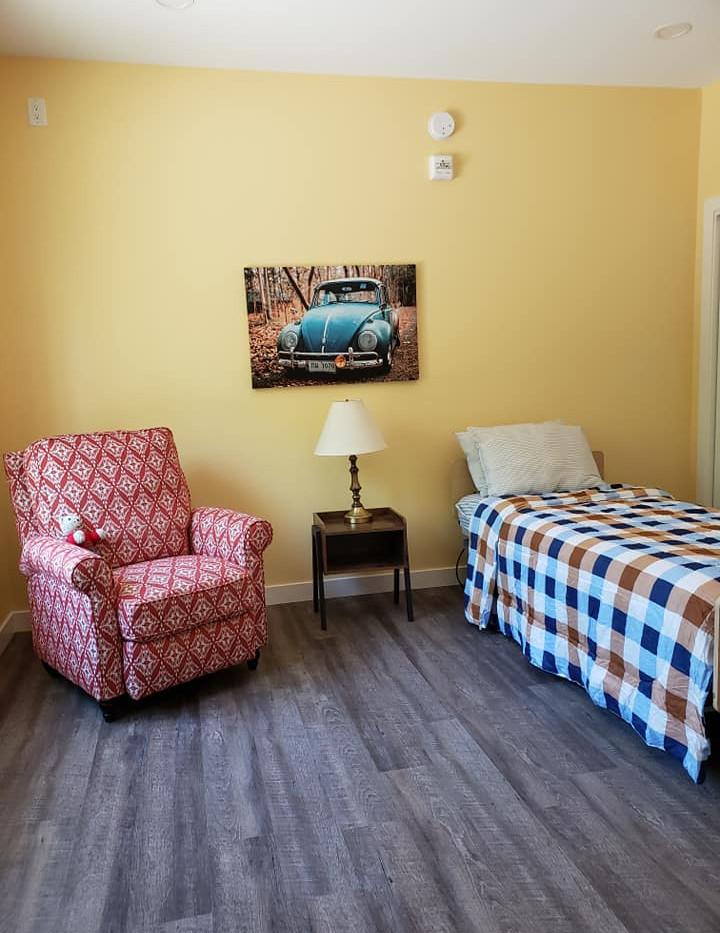 Pinawa Single Room.jpg