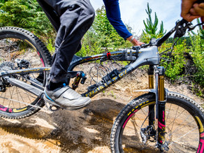Singlespeed World Champ/EWS Pro Racer, Shaw, Uses BrakeAce Brake Power Meter and Suspension DAQ