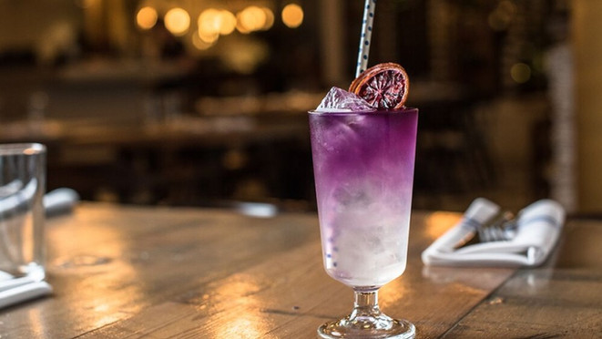 butterfly_pea_tea_cocktail_-_royal_dinet