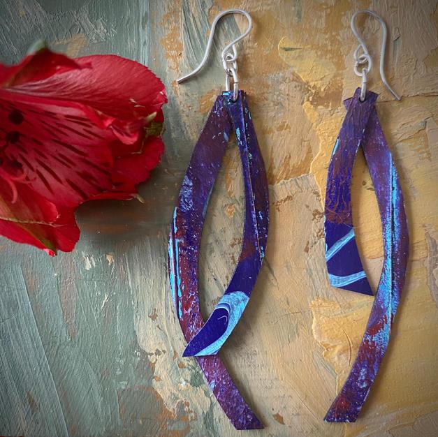 Swing along violet