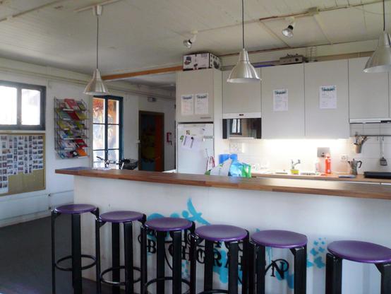 Die Bar/ Küche