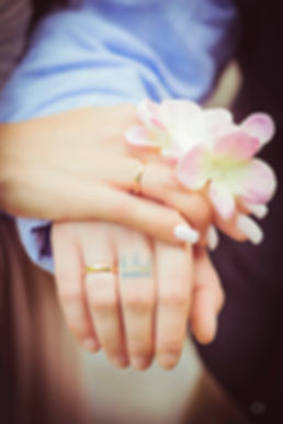 Eheringe an der Hand, Hochzeitsfotograf aus Berlin
