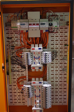 Inside Modular DB with 2 chassis