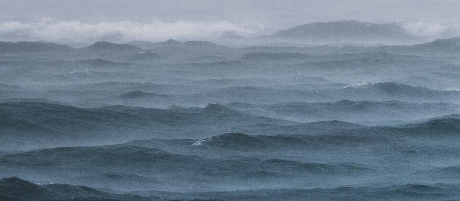 מולי ניצב ים גדול- בתוכי יש ים גדול