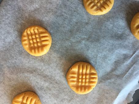 Maapähkinävoi-pikkuleivät ;)