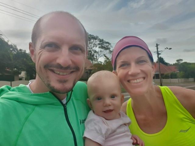 Family photo before the start of the marathon