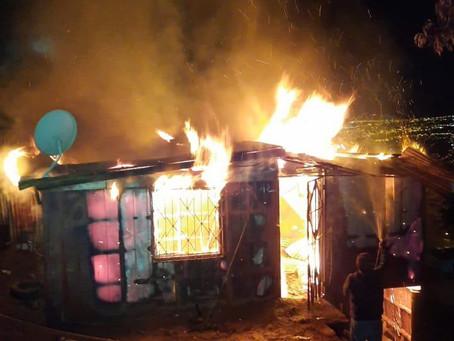 Incendio Estructural afectó a vivienda en el cerro Yungay
