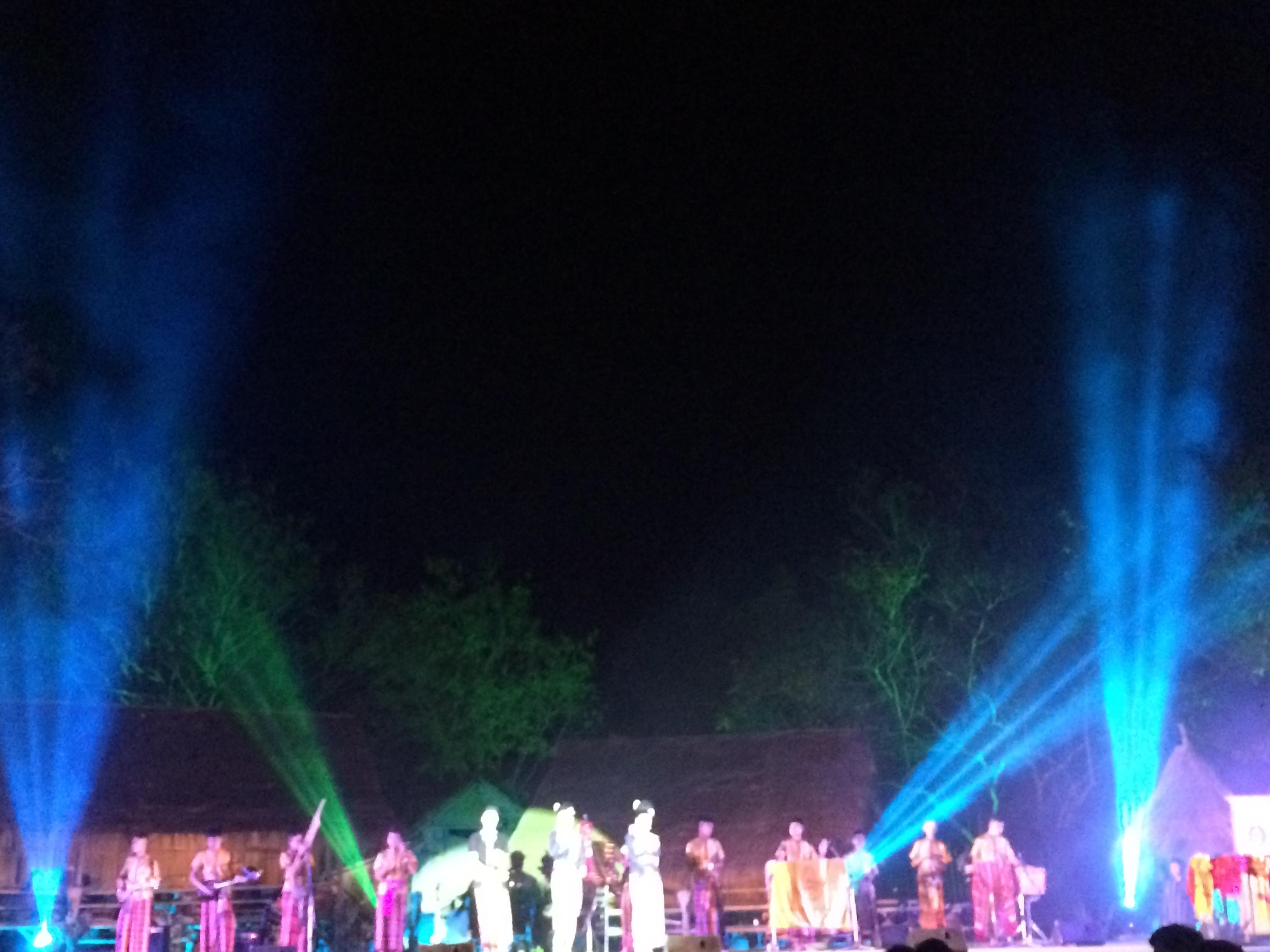 งานแสงสีมูนมังอีสาน (มรภ.สกลนคร)