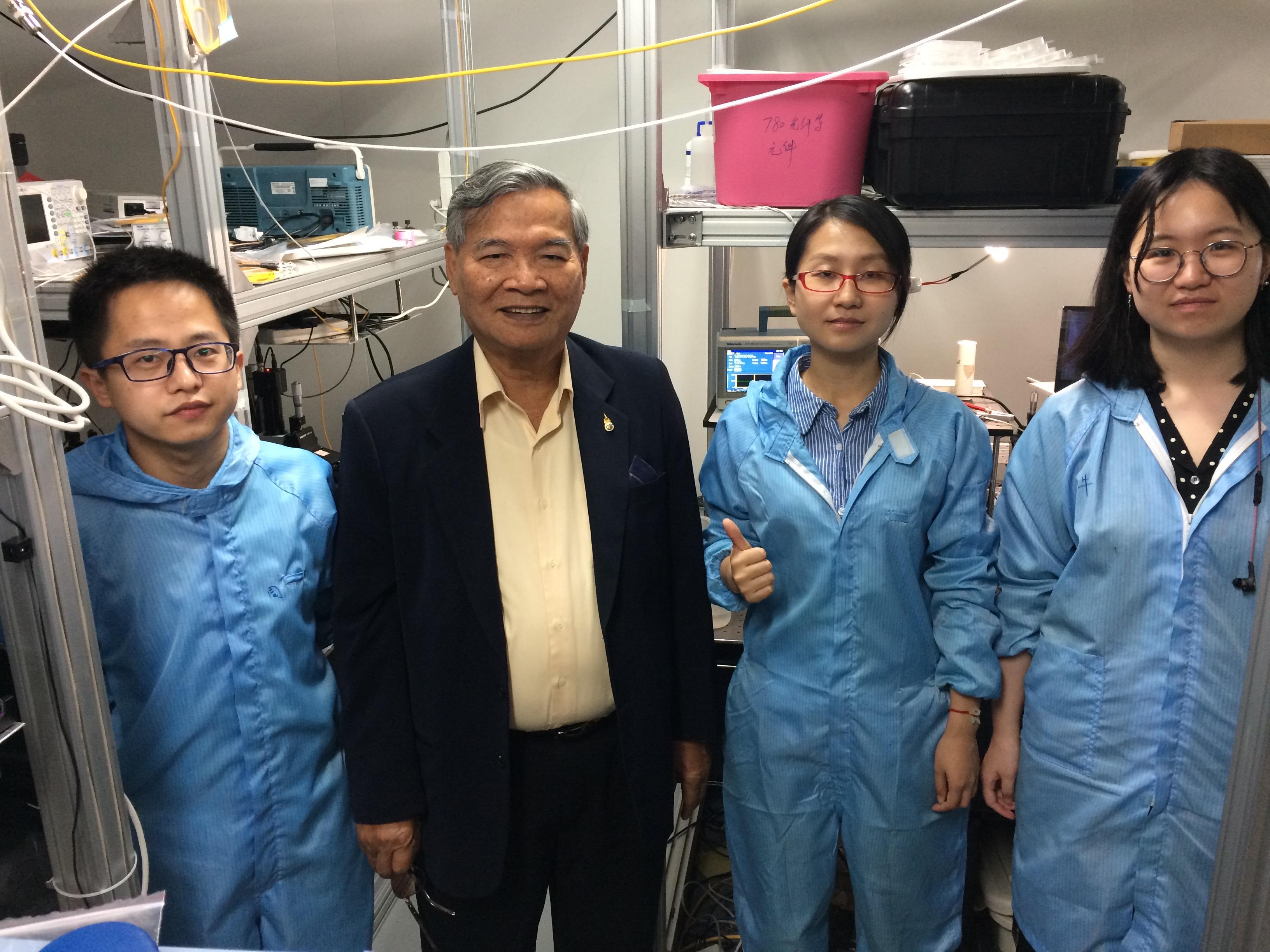 Lab visit c)