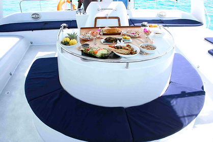 Happily Forever Mariage Catamaran