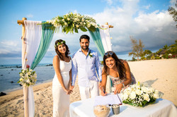 Se marier sur une plage publique