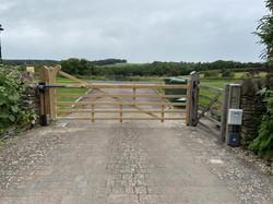 FAAC Bat 424 farm gate