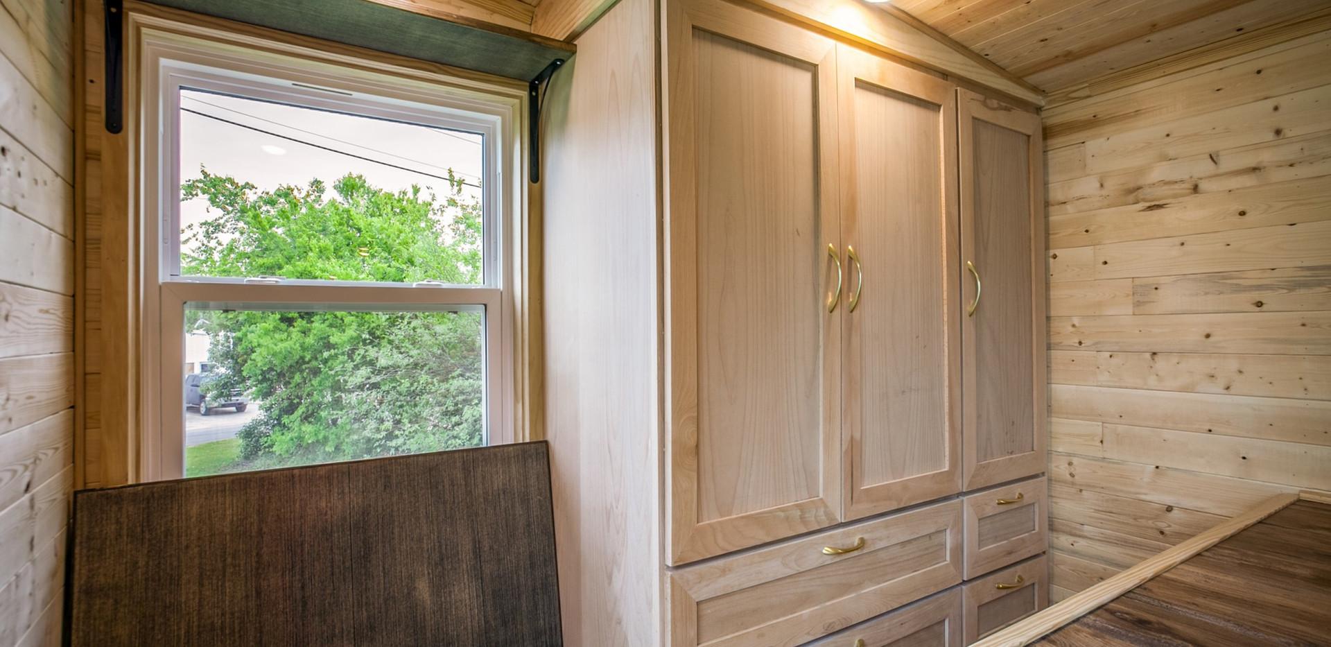 Split-Level Loft - fold down desk (2)