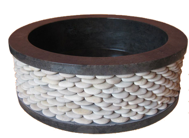 Washbasin Round with Pebbles