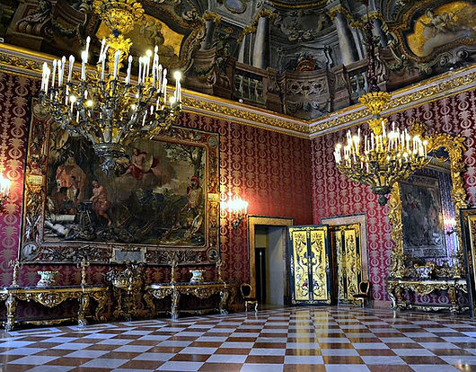 Sala_II_(Palazzo_Reale_di_Napoli)_001-ca