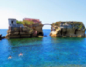 casa-vacanze-spiaggia-holiday in naples-vacanza a napoli-patrimonio unesco- gaiola- gajola