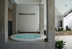 jacuzzi1-small