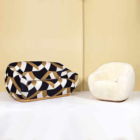 Niemeyer-II-sofa-and-fur-armchair-INSIDH