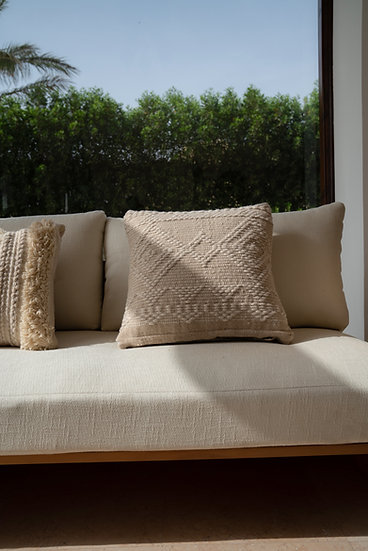 The Oyster Trianon Cushion
