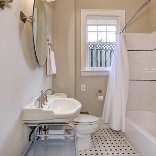 Historic Elizabeth - Charlotte NC 28204, Corporate Housing, Charlotte Furnished Rentals