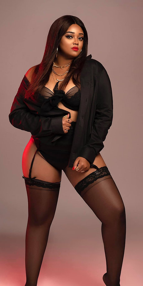 Lingerie Styling of IANNA Music