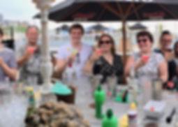 Cocktail shaken tijdens familiedag