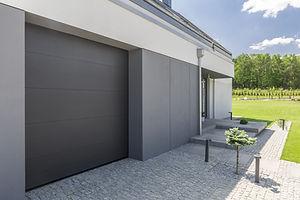 灰色のガレージドア
