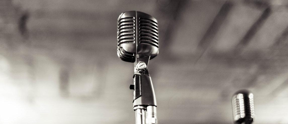 microphone-933057-cropped.jpg