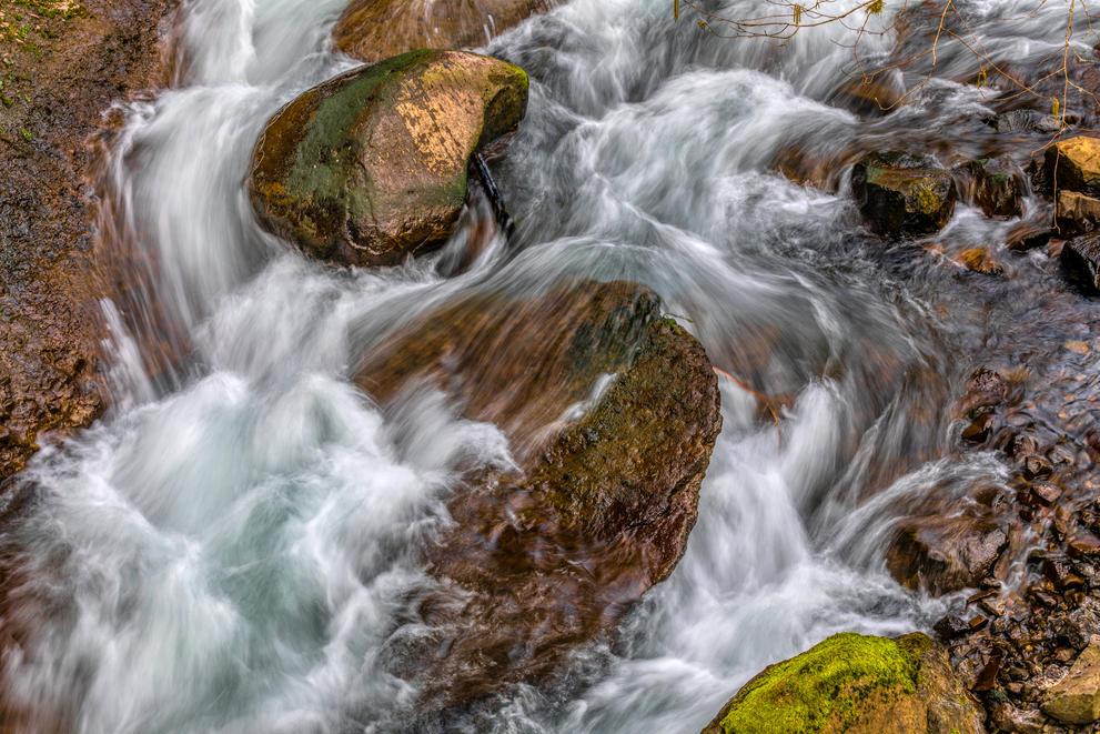Waclella Falls Creek Swirl