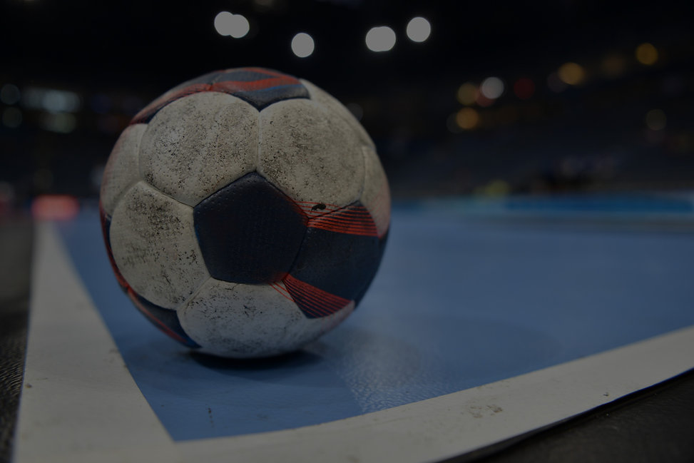 Handball%20on%20Court_edited.jpg