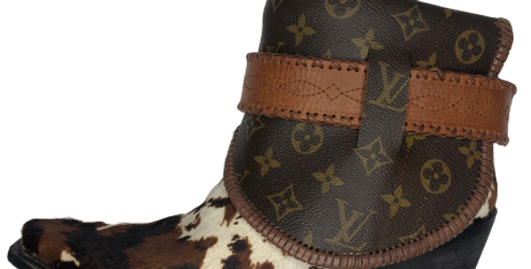 #469 Giddy Up Pinto Cow Skin Louis Vuitton lined Boots size 11