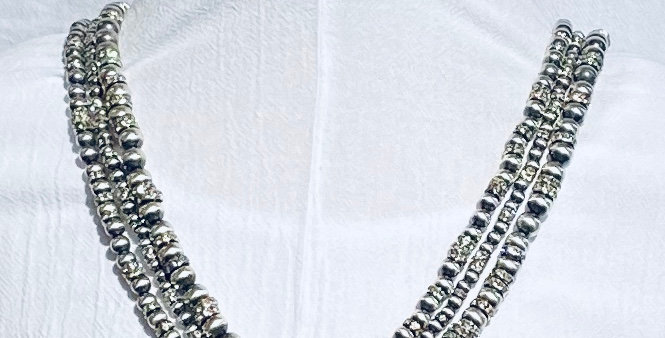 MEDIUM GLITTER TRES PLATOS NECKLACE
