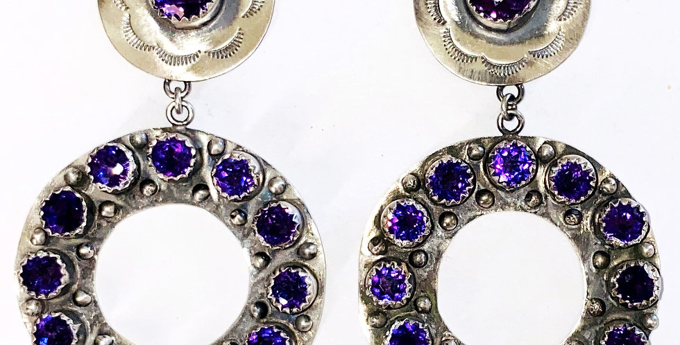 AMETHYST CIRCULO HOOP EARRINGS