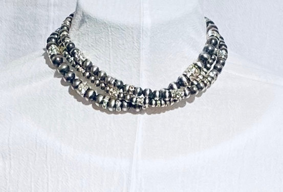 SHORT GLITTER TRES PLATOS NECKLACE