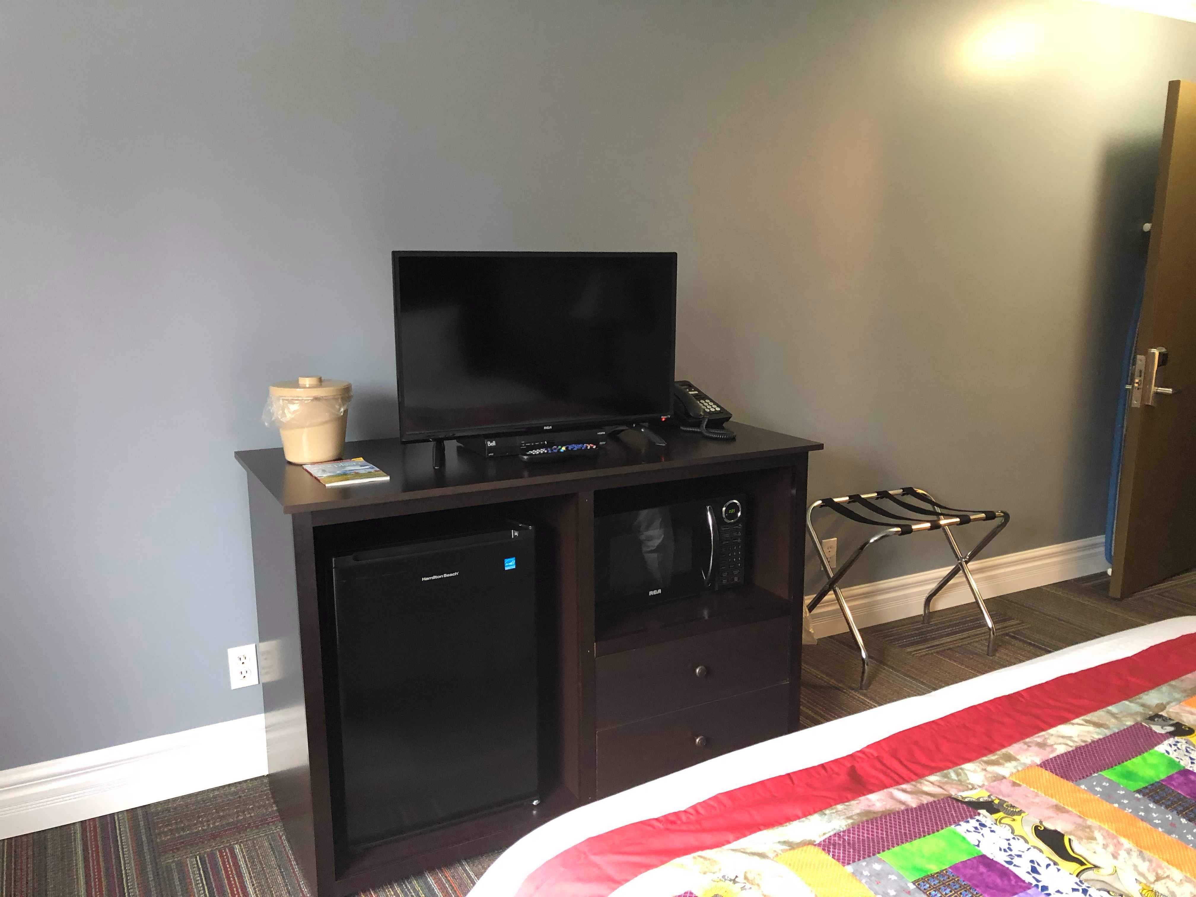 Queen Room TV