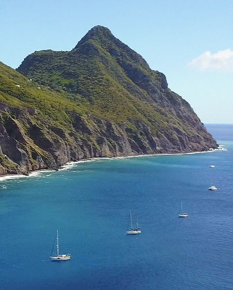Well's Bay Sab Moorings off Saba's western shore - Image by malachy multimedia n.v.