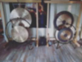 gong massage au bol tibetain drome ardeche vaucluse gard studio syma sonotherapie relaxation bain sonore sound bath
